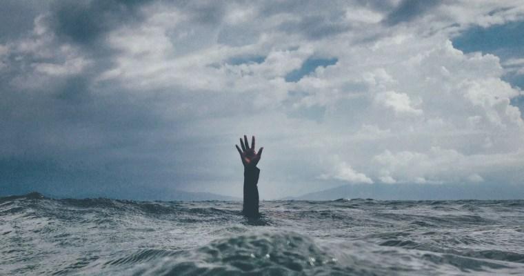Helfen statt Hetzen: Wie du die Bootsflüchtlinge vor dem Ertrinken bewahren kannst