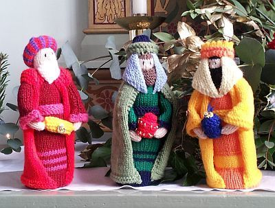 Knitted Magi at Ladyewell