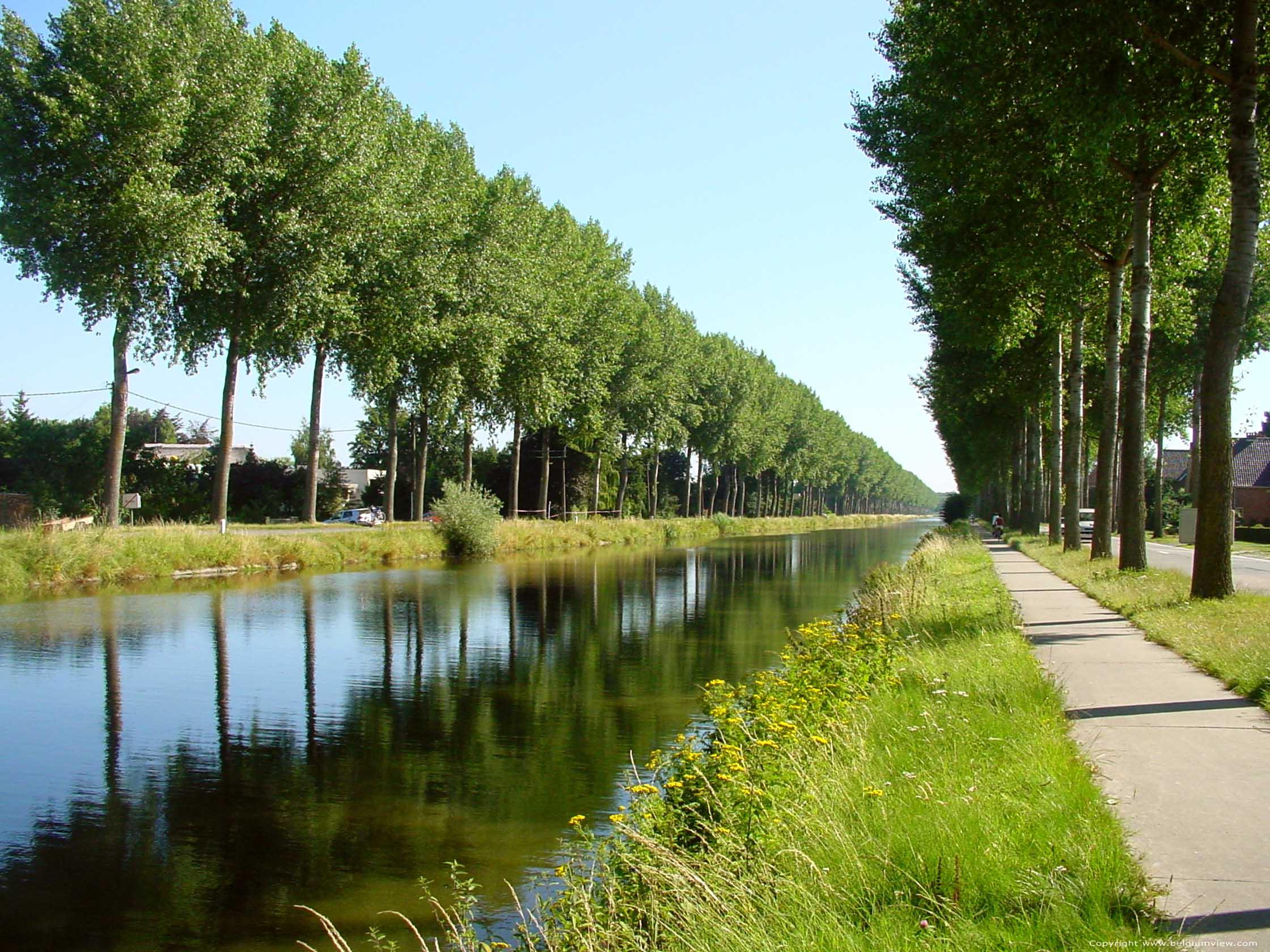 Canal de Damme  Canal de Napolon BRUGES photo