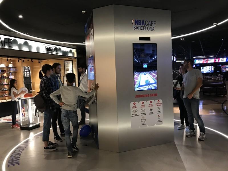 NBA Cafe restaurante que se cuece en bcn planes barcelona (31)
