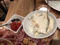Restaurante La Quesera Barcelona fondues raclettes que se cuece en Bcn (5)