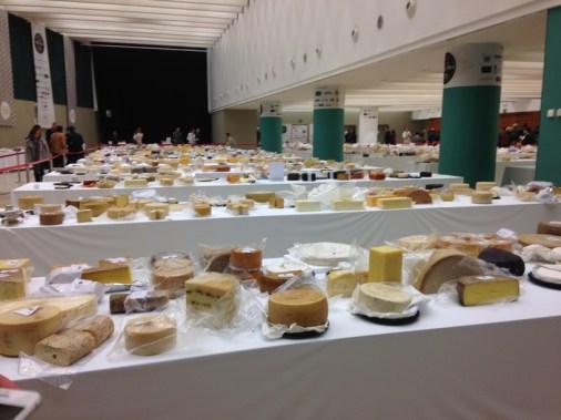 muchos quesos participando en la competición quesera más importante del mundo World Cheese Awards