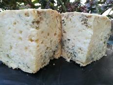 Así luce el corte de uno de los quesos azules de El Cabriteru