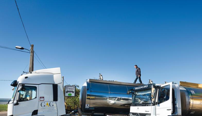 transporte-leche-camión-cisterna