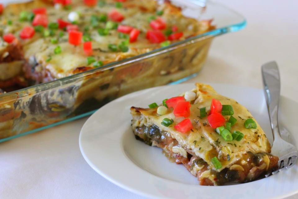 Mexican Lasagna with Spinach, Mushroom, and Caramelized Onion / www.quichentell.com