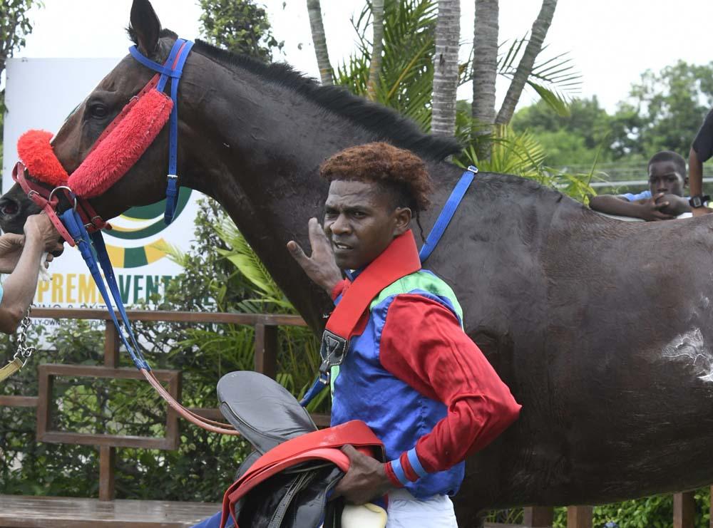 Jockey Omar Walker with Superluminal.