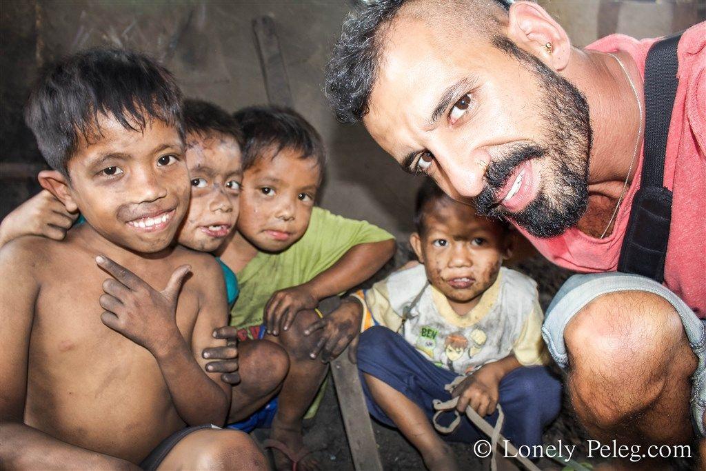 עם הילדים של ההר העשן, פיליפינים, מזבלה
