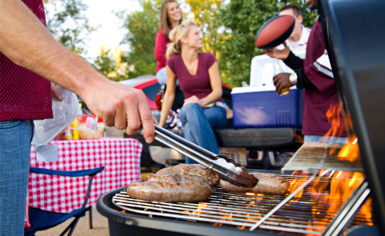 Keep Outdoor Cooking Safe Prevent Grilling Mishaps With These Backyard Barbecue Basics Quickseries