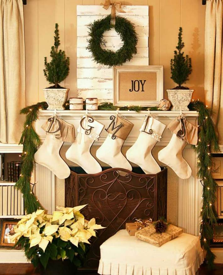 Quiet corner christmas living room decorating ideas - How to decorate your home ...
