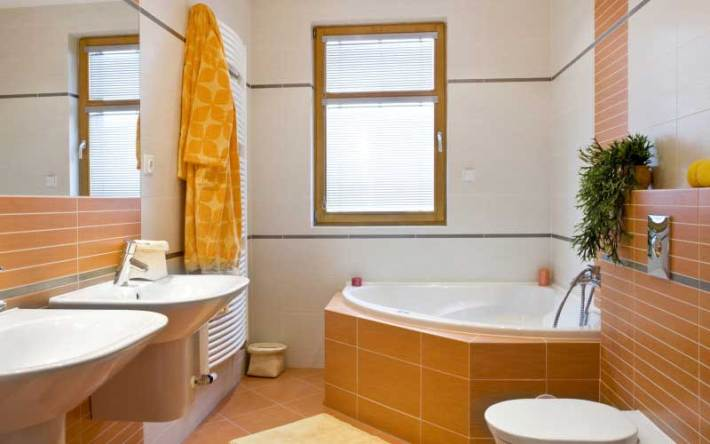 5-Small-and-Functional-Bathroom-Design-Ideas-3