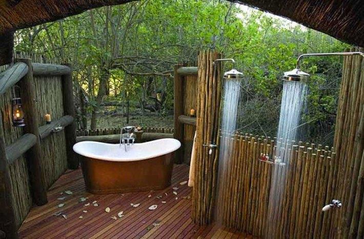 Beautiful Outdoor Bathroom Designs