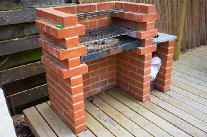 DIY Backyard Brick Barbecue