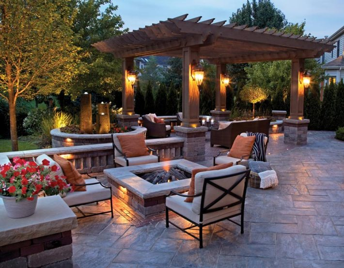 Designing an Outdoor Dining Area