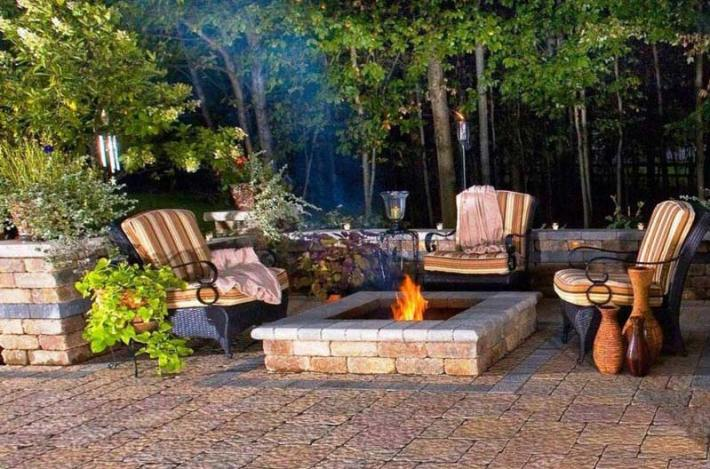 Outdoor Fire Pit Seating Ideas (15)