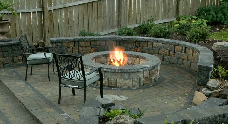 https://i0.wp.com/www.quiet-corner.com/wp-content/uploads/2016/04/Outdoor-Fire-Pit-Seating-Ideas-2.jpg