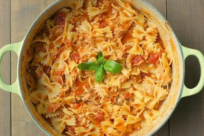 One-Pot Tomato, Basil, Chicken Pasta