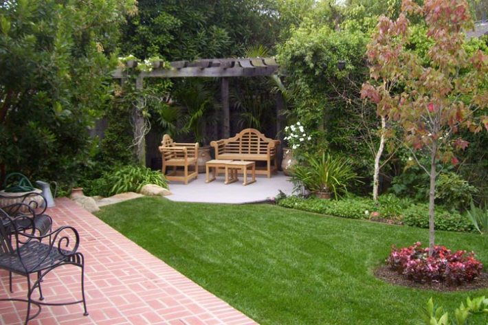 Quiet Corner:Backyard Landscape Ideas with Natural Touch ...
