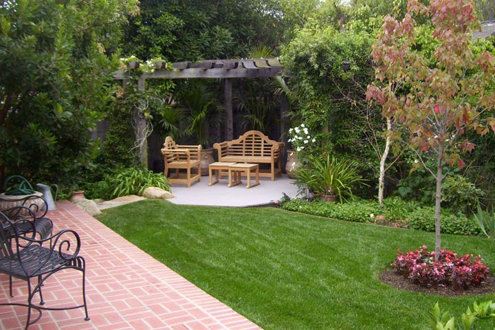 Backyard Landscape Ideas with Natural Touch - Quiet Corner