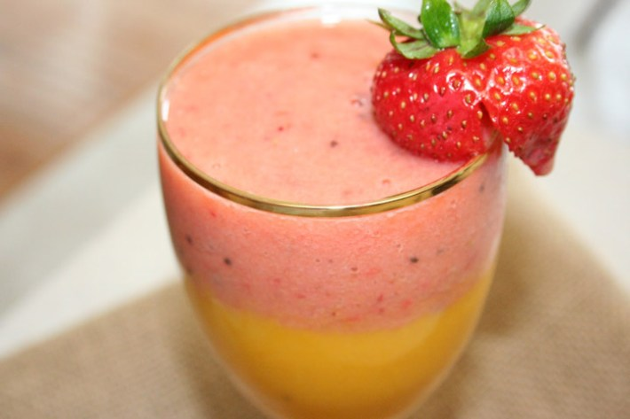 Healthy Mango Strawberry Smoothie