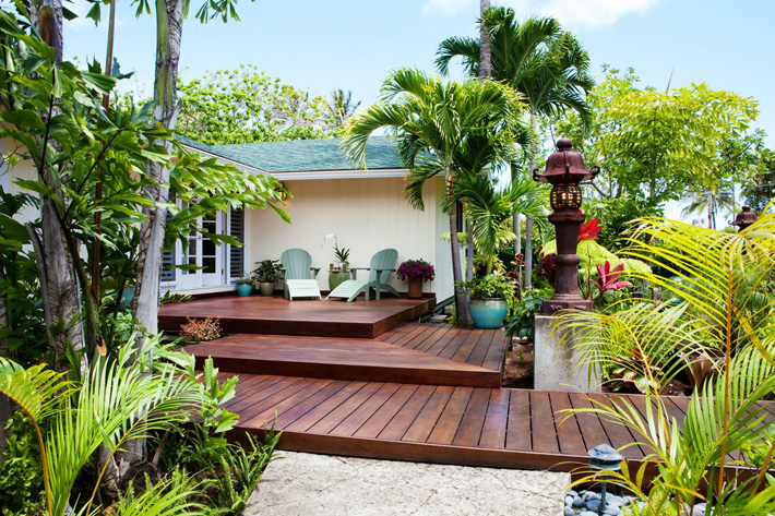 Ideas and Tips for Custom Front Yard and Backyard Decks - Quiet Corner