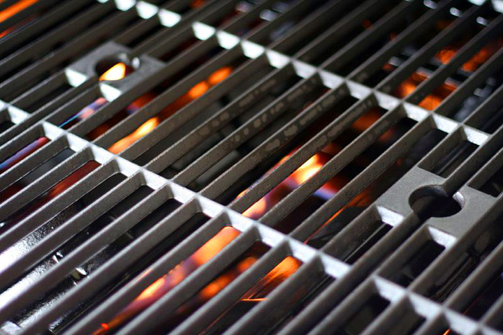 How To Properly Clean Your Grill - Quiet Corner