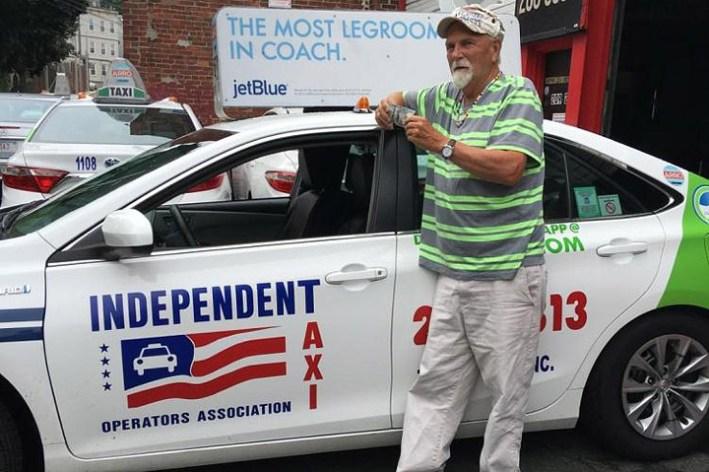 Boston taxi driver returns $187K left in cab