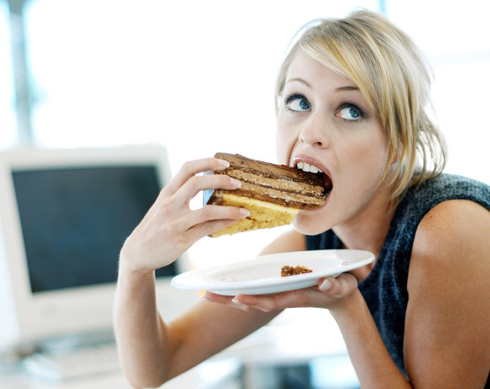 Get Rid of These Common Bad Eating Habits