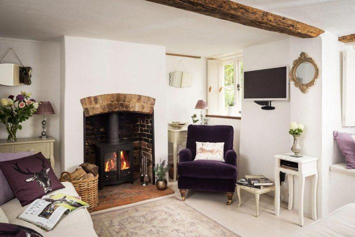Faerie Door Luxury Cottage West Overton, Luxury cottage Overton