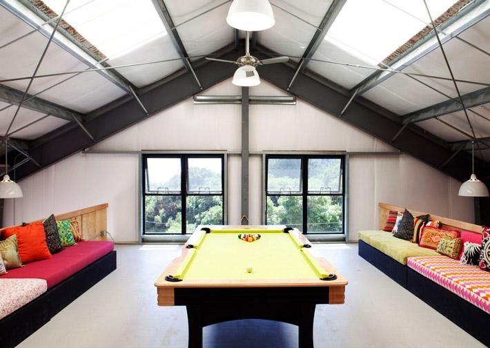 Quiet Corner:Attic Space Interior Design Ideas - Quiet Corner