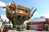 Naha Harbor Diner - Crazy Banyan Treehouse Cafe