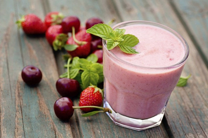 Mixed Berries and Soy Milk Smoothie