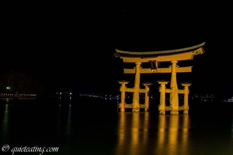 Having sated our stomachs, we went out to see the shrine by night. Lit up delicately in high tide, it was rather majestic