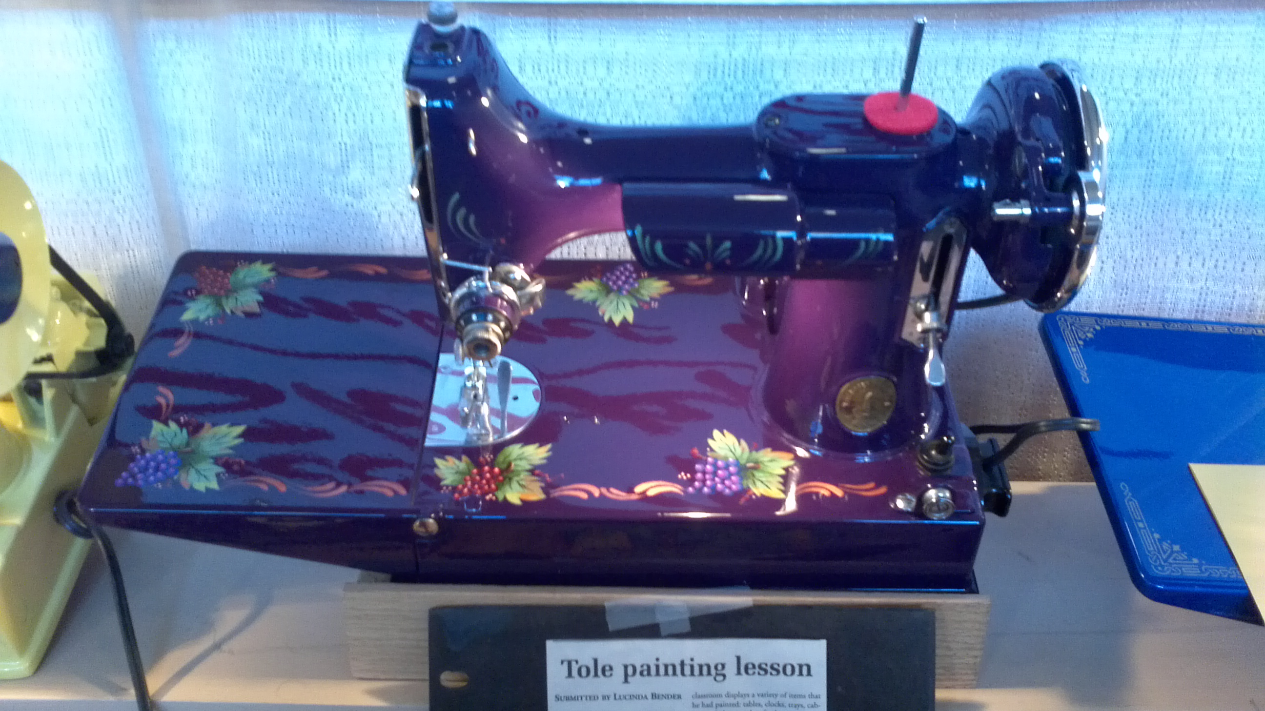 Repainting a Featherweight Sewing Machine