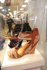 Pepe Aguilar lanza coleccin de calzados