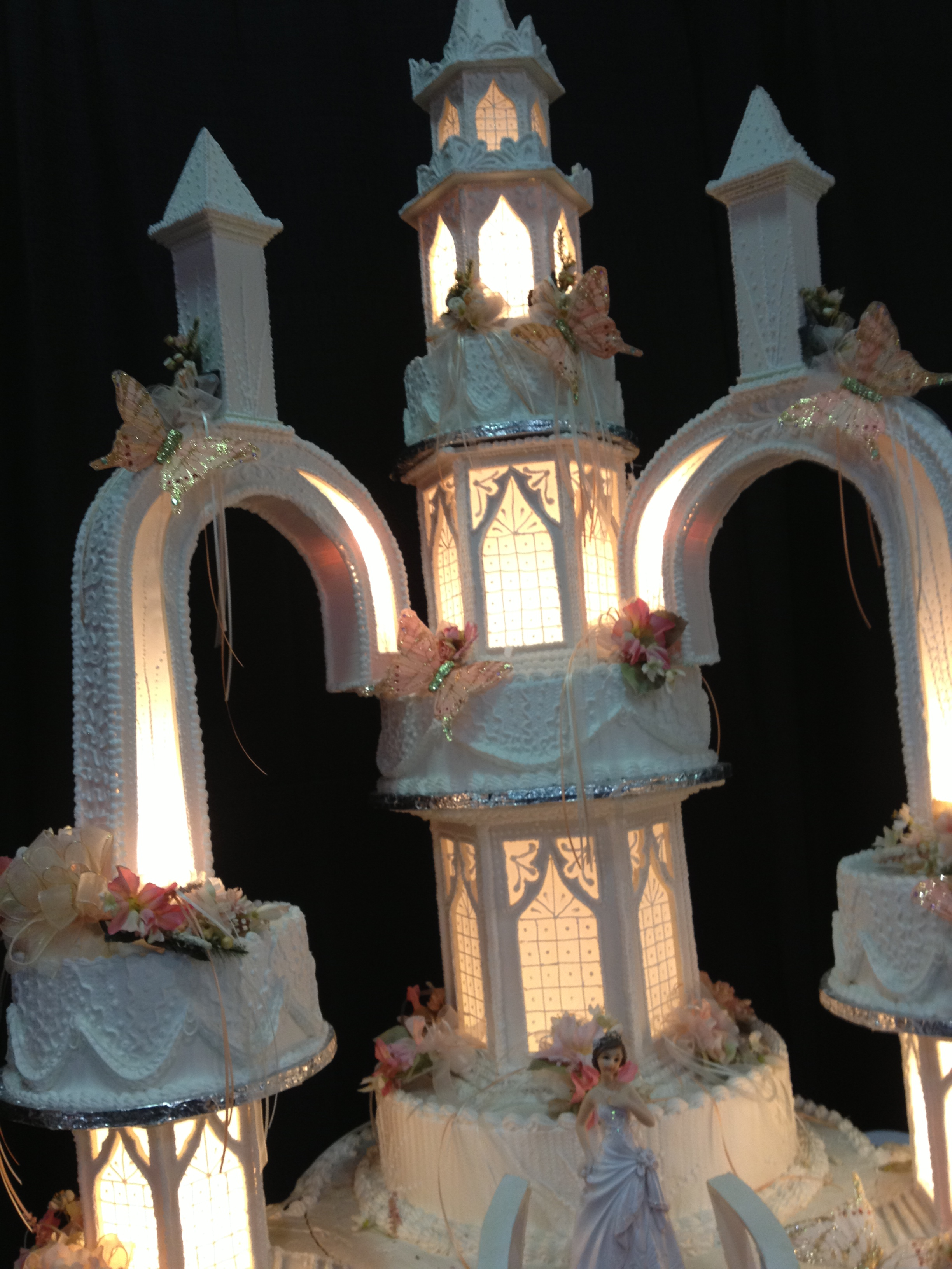 Unique Quinceaera Cakes from the Ontario Expo