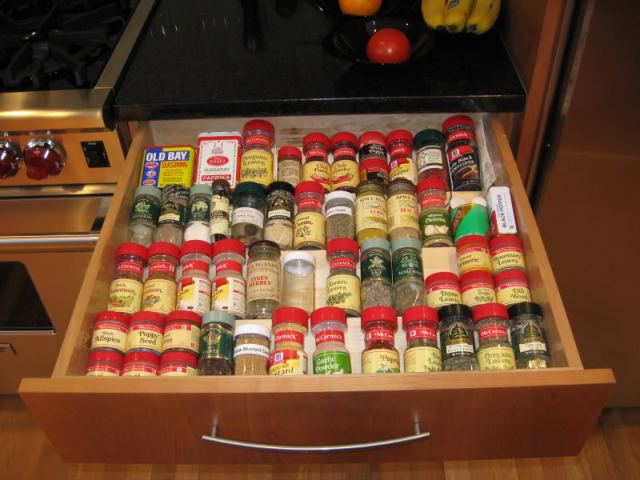 Kitchen Cabinets - Spices Drawer - quinju.com