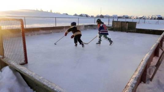 Backyard hockey rinks - Canadian tradition - quinju.com