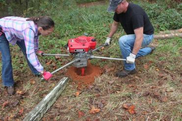 Fences-installing fence posts-quinju.com