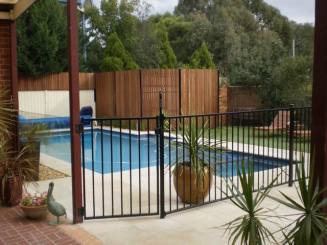 Fences / Wood Privacy Fence / ornamental security fence / pool / quinju.com