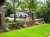 Fence / ornamental / mark boundaries / stone and metal / quinju.com
