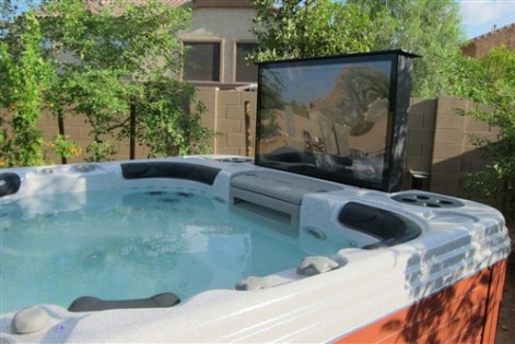 www.quinju.com hot tub with a TV