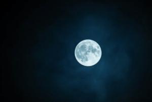China planea colocar una luna artificial para el 2020
