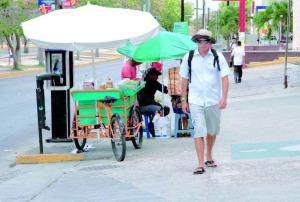 En Cancún reordenarán ubicación de comercio en vía pública