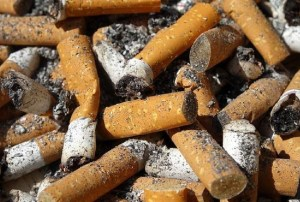 Con 140 mil colillas de cigarros se erigirá la montaña de la Vergüenza