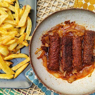 Salchichas veganas con patatas
