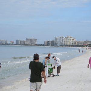 More random pictures of beach strangers
