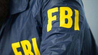 Photo of Agente del FBI se emociona bailando y dispara sin querer a una persona: video
