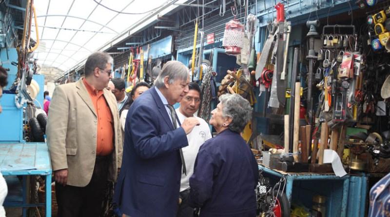 Mercado Plaza Arenas recibió obras y aspira a ser un centro de comercio turístico