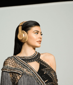 Beats by Dre-Kylie Jenner-Balmain_7