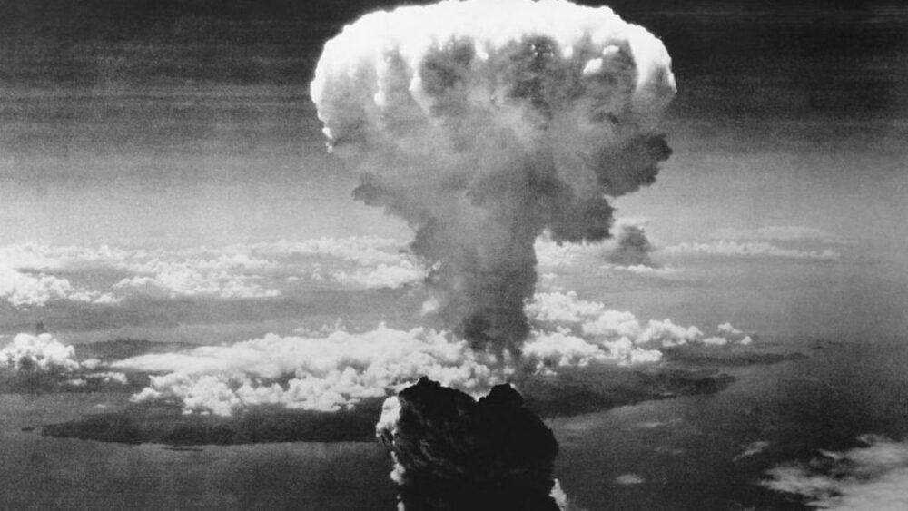 ¿Cuál fue la diferencia entre las bombas de Hiroshima y Nagasaki?